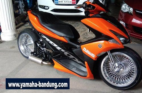 Modifikasi-Yamaha-Aerox-Low-Rider-1 copy