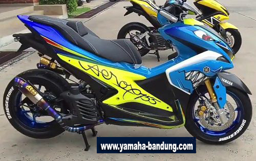 Modifikasi-Yamaha-Aerox-Low-Ubah-Warna-Bodi-1